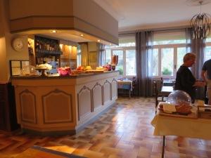 Hotellin aamiaishuone